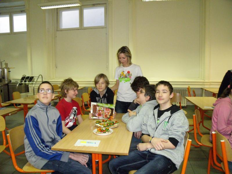 8e6bcd91720 Lektorka Martina Vohnoutová navštívila žáky školy pro zrakově postižené.